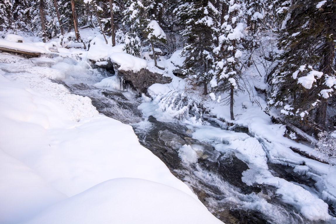 Bass Creek Falls flows through a small chasm
