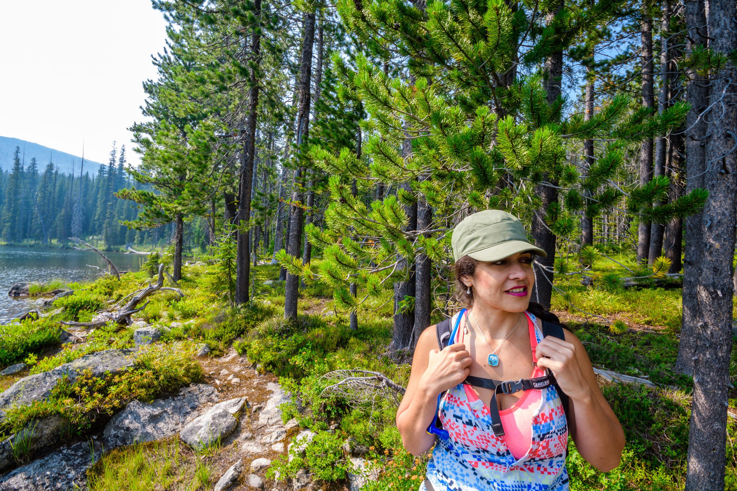 Vida getting ready for the return hike